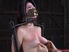 Nude and gagged babe acquires wild cunt satisfying