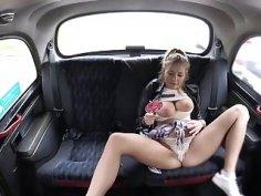 Booty babe Candy Alexa enjoys a taxi drivers hard dick