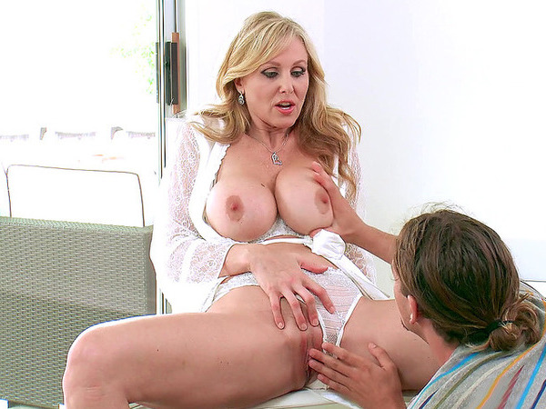 Mom teaches stepson how to eat pussy