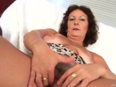 Milf Alma misses hot pounding and teses her pussy in solo