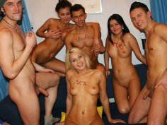 Raunchy group action at cool college partie